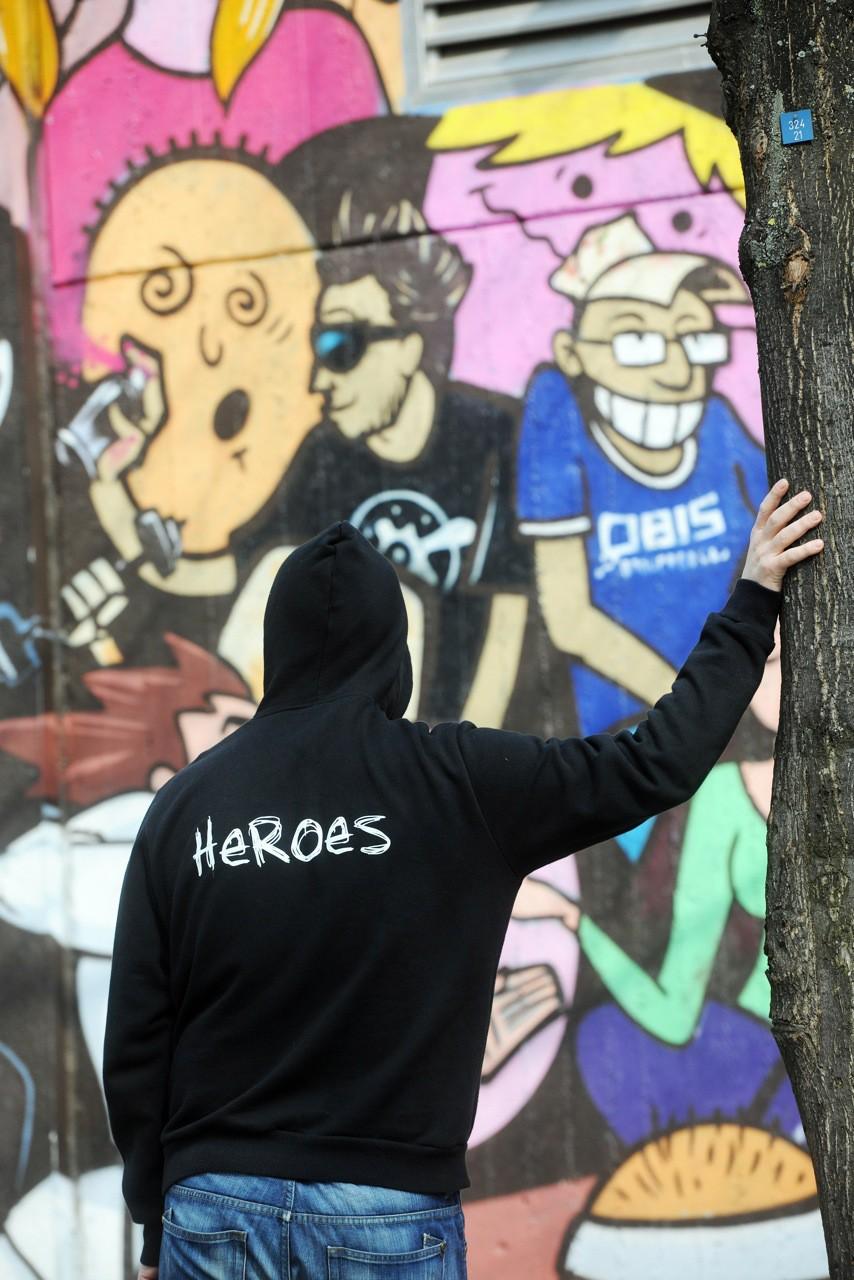 Heroes_Logo_Graffiti